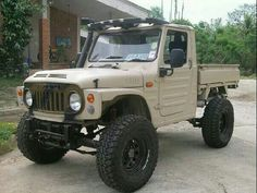 Cool vintage Suzuki Sj pick up