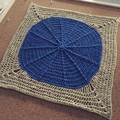 Frente de almohadon - pillows - cushions - crochet - circle spread