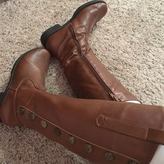 Brown riding boots with button detailing Lightly loved - shown in picture. From a no smoking, pet free home  make me and offer - I'll go lower! Shoes