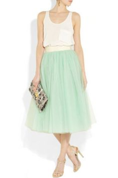 Amazing 42 Adorable Pleated Tulle Midi Skirt to Try https://clothme.net/2018/02/03/42-adorable-pleated-tulle-midi-skirt-try/
