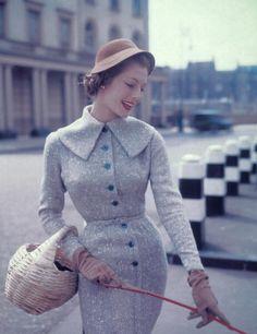 Vintage glamour, vintage beauty, vintage ladies, retro vintage, vintage s. Pin Up Vintage, Vintage Fashion 1950s, Fifties Fashion, Look Vintage, Vintage Glamour, Vintage Beauty, Retro Fashion, Vintage Modern, Trendy Fashion