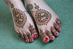 Awesome Collection Of Mehndi Designs For Legs - Kurti Blouse Henna Hand Designs, Legs Mehndi Design, Mehndi Designs For Girls, Mehndi Design Pictures, Beautiful Mehndi Design, Latest Mehndi Designs, Mehndi Designs For Hands, Henna Tattoo Designs, Mehndi Tattoo