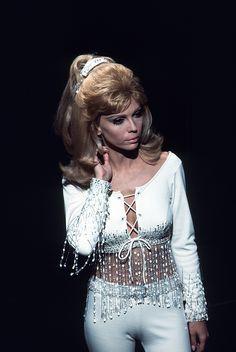 lesbianfranksinatra:  Nancy Sinatra, 1969