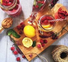 Raspberry, lemon, and mint detox water Mint Detox Water, Lemon Detox, Raspberry, Berries, Dairy, Health Fitness, Healthy Recipes, Healthy Food, Yummy Food