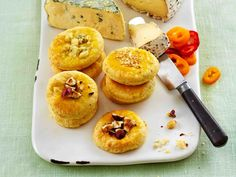 Mureat juustokeksit Muffin, Vegetarian, Snacks, Eat, Breakfast, Ethnic Recipes, Food, Soups, Salads