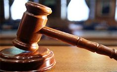 Eskişehir'de, evinde eşi ile birlikte misafir ettiği yabancı uyruklu kadın üniversite öğrencisini zorla öpmekten yargılanan M.G. isimli şahıs, çıkarıldığı mahkemede üç yıl hapis cezasına çarptırıldı
