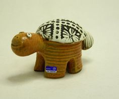 ~Lisa Larson   ( Cute Turtle )