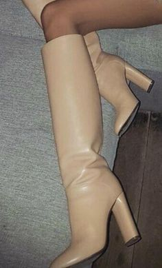 Hot High Heels, High Heel Boots, Womens High Heels, Heeled Boots, Bootie Boots, Fall Winter Shoes, Beige Boots, Sexy Boots, Beautiful Shoes