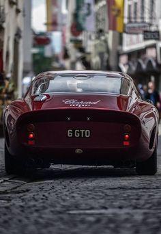 This Ferrari 250 GTO paint job is the same color as the Italian Rose I drank last night… 😉 Ferrari Berlinetta, so in love with him!Ferrari LaferrariMatte black Ferrari BerlinettaFerrari FXX K Ferrari 458, Maserati, Bugatti, Ferrari 2017, Lamborghini, Sexy Cars, Hot Cars, Classic Sports Cars, Classic Cars