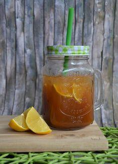Selbstgemachter Zitroneneistee - superschnell & supereinfach! Mocktail Drinks, Fun Drinks, Cocktails, Beverages, Kombucha, Chocolate Coffee, Iced Tea, Lemonade, Tea Party