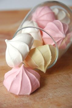 Meringue Kiss Cookies  Yield: 24 cookies  ingredients:  4 eggs whites  1 cup sugar  Pinch of tartar  1 teaspoon of vanilla extract  Food coloring/dye of your choice