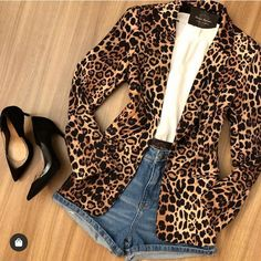In love with this look. This animal print blazer so it& a hit. 📣 Run the stories to see more tips and inspirations. Blazer Outfits, Casual Outfits, Summer Outfits, Cute Outfits, Blazer Dress, Dress Outfits, Look Fashion, Autumn Fashion, Fashion Outfits