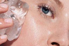 Hihetetlen! Ez a 6 dolog történik, ha jégkockát dörzsölsz az arcodba!