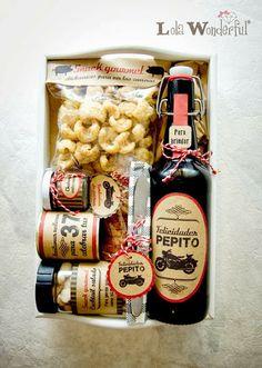 Cervezas personalizadas: detalles de boda y packs de regalo. Para que los chicos disfruten viendo todas las fotos de la boda