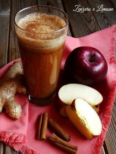 Centrifuged hunger breaker Ginger and lemon-Centrifugato spezzafame Vegan Breakfast Smoothie, Vegan Smoothies, Smoothie Diet Plans, Smoothie Recipes, Low Calorie Recipes, Healthy Recipes, Art Cafe, Weird Food, In Vino Veritas