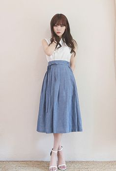 Yin ~ everyday wear ~ solid options ~ cap sleeve and * this * sleeve option ~ dress ~ solidly stylish, intricate, balanced designs Korean Traditional Dress, Traditional Fashion, Traditional Dresses, Asian Fashion, Unique Fashion, Girl Fashion, Fashion Outfits, Modern Hanbok, Play Clothing