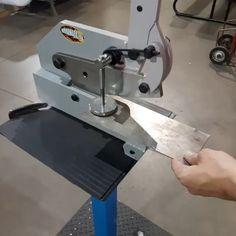 Sheet Metal Tools, Sheet Metal Work, Metal Bending Tools, Metal Working Tools, Cool Tools, Diy Tools, Metal Fabrication Tools, Tool Box Diy, Metal Bender