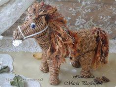 Мастер-класс Новый год Плетение Мк плетёной лошадки Бумага газетная Трубочки бумажные фото 1