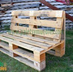 mesa-y-banco-hecho-con-palets - DIY Furniture Couch Ideen Pallet Garden Furniture, Diy Outdoor Furniture, Reclaimed Wood Furniture, Diy Furniture, Furniture From Pallets, Wooden Pallet Projects, Pallet Crafts, Pallet Ideas, Diy Pallet Couch