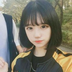 Lindinha franja estilo, garotas de cabelo curto, cabelo curto com franja, franja coreana Ulzzang Short Hair, Korean Short Hair, Ulzzang Korean Girl, Cute Korean Girl, Girl Short Hair, Short Girls, Pelo Ulzzang, Ulzzang Girl Fashion, Korean Haircut