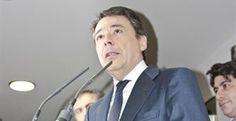 Ignacio González ve razonable el paso del ámbito público al sector privado