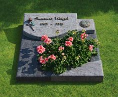 Unusual Headstones, Tombstone Designs, Steinmetz, Funeral, Beautiful Flowers, Planters, Victorian, Memories, How To Plan