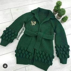 The raspberry model and color have been gorgeous💚💚💚💚. # Cardigan # hırkamodel of Örgümodel of . Source by Gilet Crochet, Crochet Baby Cardigan, Knit Cardigan, Baby Girl Fall Outfits, Girl Outfits, Baby Sweaters, Cable Knit Sweaters, Baby Knitting Patterns, Knitting Designs