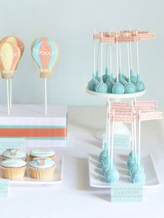 Kara's Party Ideas Hot Air Balloon Up in the Sky Boy Girl Birthday Party Planning Ideas 1st Boy Birthday, First Birthday Parties, First Birthdays, Baby Shower Balloons, Birthday Balloons, Ideas Bautismo, Hot Air Balloon Cookies, Peace, Cake Pops