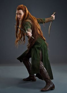 Ahh a new photo of Tauriel's archer dress! (Good reference for boots and side seam of the skirt)