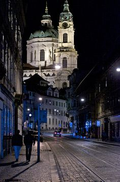 Prague nightwalk
