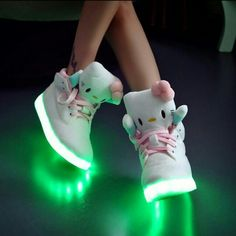 Hello kitty led shoes look awesome!