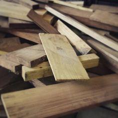 En Madetec eligiendo maderas. Rosario, Argentina.