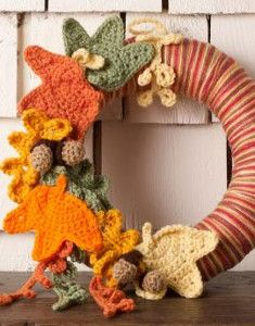 Thanksgiving Leaves Wreath - Thanksgiving can be the hardest holiday to decorate for, but this Thanksgiving Leaves Wreath is perfect for your home decor this year.