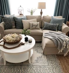 """Sharing my little """"snuggle"""" pillow from 😍I'll be snuggling in this cozy spot watching movies with the fam tonight😘Movie… Small Living Room Furniture, Livingroom Layout, Furniture, Living Room Diy, Living Room Designs, Apartment Living Room, Home Furniture, Home Decor, Apartment Decor"""