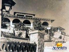 #acapulcoeneltiempo Historia del hotel La Rivera de Acapulco. ACAPULCO EN EL TIEMPO. El hotel La Rivera se encontraba sobre la avenida Costera Miguel Alemán, dentro del fraccionamiento Las Playas y tuvo su esplendor en las décadas de los años 40 y 50. Desde su restaurante, se tenía una hermosa vista a la bahía. Para más información, visita la página oficial de Fidetur Acapulco.