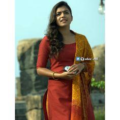 Beauty Pictures: Nazriya Nazim Malayalam Actress, Tamil Actress, Bollywood Actress, Kerala Bride, South Indian Bride, South Indian Actress Photo, Nazriya Nazim, Kerala Saree, Tamil Brides