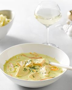 Fricassee van zalm en groenten Side Dish Recipes, Fish Recipes, Soup Recipes, Healthy Recipes, Dutch Recipes, Fish Dishes, Fish And Seafood, Love Food, Food And Drink