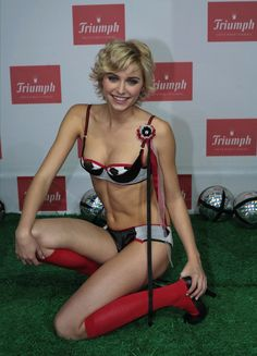 Model at Midnight: Lena Gercke