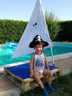 mommo design - 3 PALLET PROJECTS FOR KIDS - pirate pallet boat