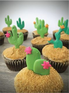 DIY Cactus Cupcakes with Free Printable Template by Fronie Mae Bakes. www.froniemaebakes.com