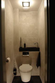 The water of the fountain is collected in the cistern of the toilet. Solidus toilet fountain custom made from concrete. Het water van het fonteintje wordt opgevangen in de stortbak van het toilet. Bad Inspiration, Bathroom Inspiration, Wc Bathroom, Bathrooms, Bathroom Ideas, Small Toilet Room, Toilet Design, Powder Room, Home Interior Design