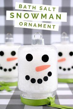DIY EPSOM SALT SNOWMAN ORNAMENT Snowman Ornaments, Christmas Ornaments, Christmas Snowman, Ornament Crafts, Christmas Decor, Snowman Crafts, Snowmen, Mason Jar Crafts, Mason Jars