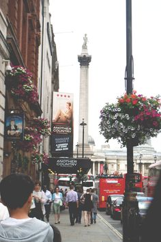 piccadilly circus , london One of my favorite places! Piccadilly Circus, Leeds, Bristol, Beautiful World, Beautiful Places, Liverpool, All Nature, Adventure Is Out There, Oh The Places You'll Go