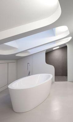 Future Home, Futuristic Architecture, space age, Modern Interior, Futuristic Bathroom, white interior, bathtub, minimalism by FuturisticNews.com