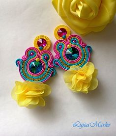 Soutache yellow, pink, turquoise with rose elegant earrings - Soutache Pattern, Soutache Tutorial, Crochet Earrings Pattern, Fabric Earrings, Fabric Jewelry, Beaded Earrings, Rope Jewelry, Jewelry Case, Earrings Handmade