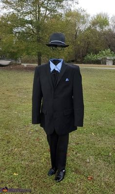 Sharp Dressed Invisible Man - 2019 Halloween Costume Contest Costumes 9 Year Old Boy, Diy Costumes For Boys, Duo Halloween Costumes, Book Day Costumes, Boy Costumes, Halloween Costumes Boys, Halloween 2020, Halloween Projects, Halloween Stuff