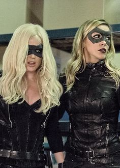 Sara and Laurel Lance- neither of them did anything stupid this week! Arrow Black Canary, White Canary, Supergirl 2015, Supergirl And Flash, Team Arrow, Arrow Tv, Legends Of Tomorrow Cast, Lance Cosplay, Kate Middleton