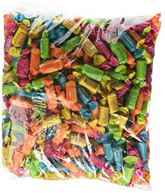 Flavor Roll: Offering the same look and chew as the original Tootsie Roll in fruit-flavored varieties, Tootsie Fruit Rolls are equally tasty candy . Taffy Apple Salad, Apple Salad Recipes, Gourmet Gifts, Gourmet Recipes, Taffy Recipe, Apple Pizza, Fruit Chews, Chewy Candy, Favorite Candy