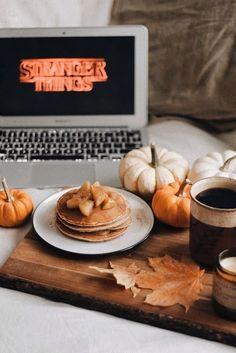 Autumn Cozy, Fall Wallpaper, Fall Pictures, Fall Photos, Autumn Photography, Hello Autumn, Fall Halloween, Halloween Facts, Halloween Zombie