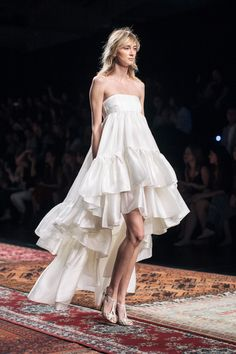 Wedding Gowns / Houghton Spring 2016 / Barcelona Bridal Week (Photo: The LANE)